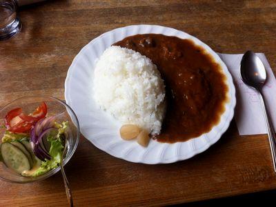 高田公園に最も近い?カフェ「オルゴール」のビーフカレー